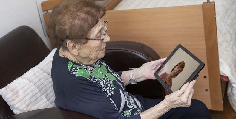 Inzichten van het Kennisnetwerk Dementie: technologie in coronatijd