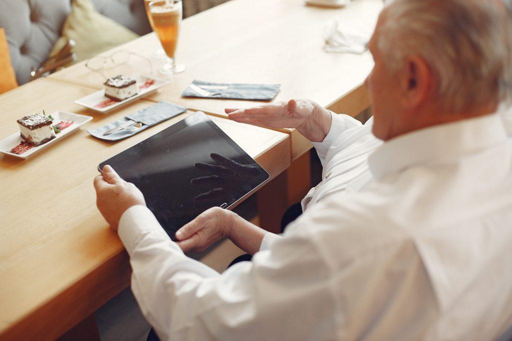 Programma Anders Werken versnelt innovatie in de ouderenzorg